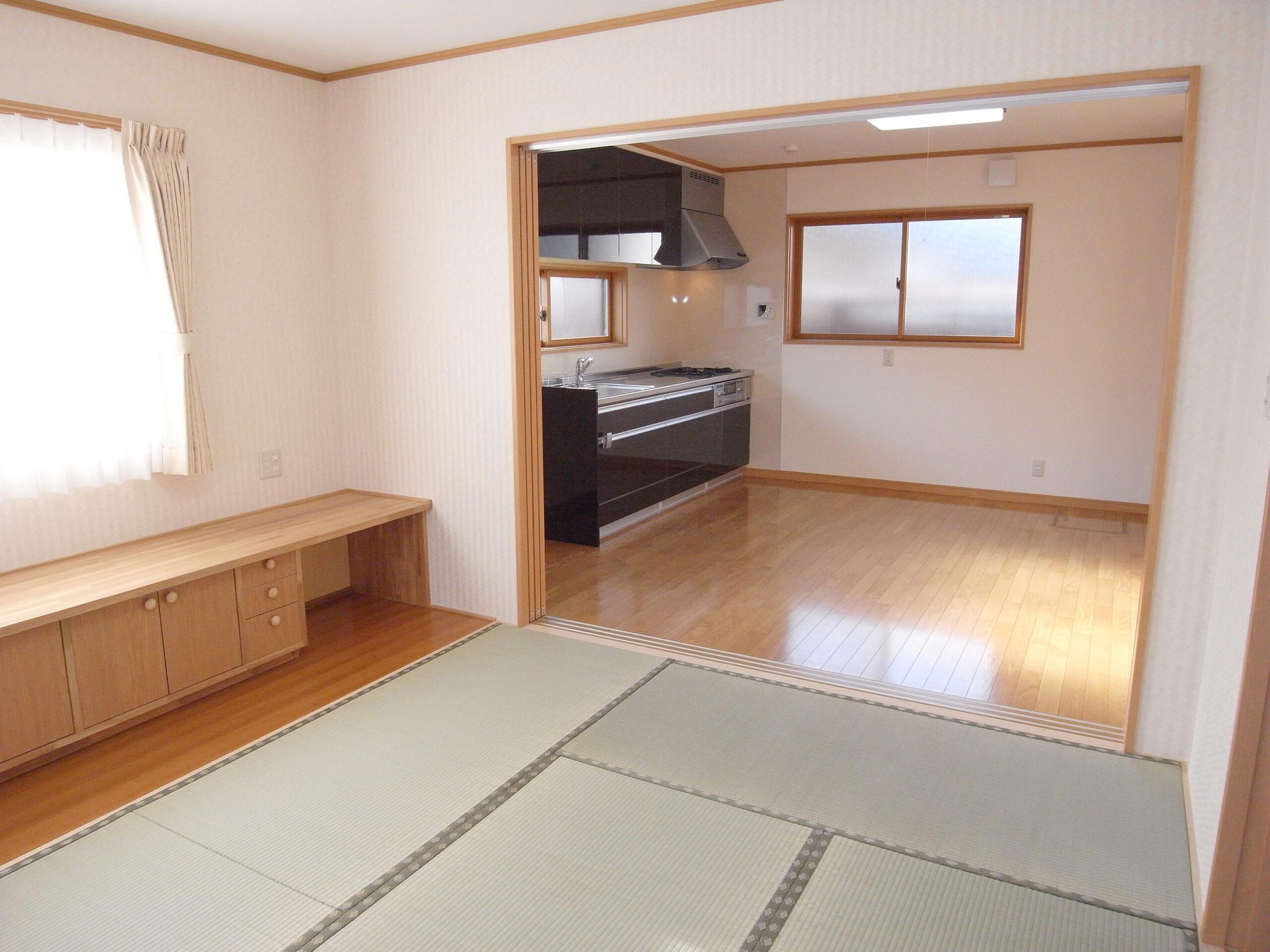 佐久市の注文住宅|在来工法で建てる玄関の広い2階建て住宅