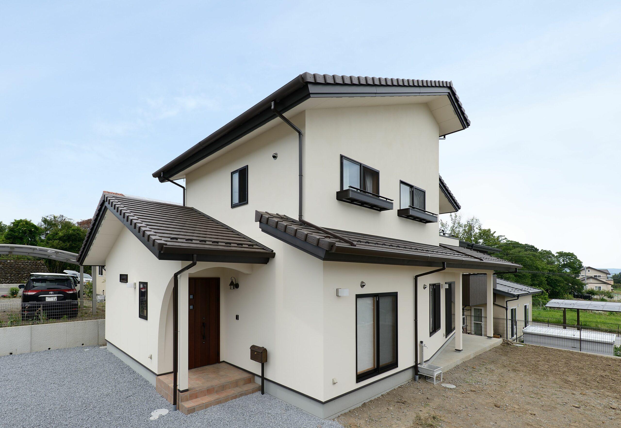佐久市の注文住宅 収納の多い2階建て住宅
