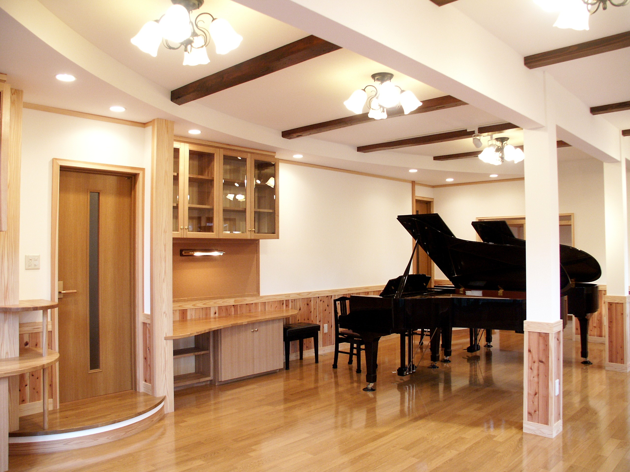 小海町のリフォーム|ホームコンサートが出来るピアノ室のリフォーム